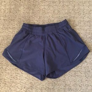 Lululemon Navy Hotty Hot Shorts, size 4 Tall